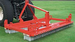 Verti-Comb 1800 для расчесывания и разуплотнения газонов
